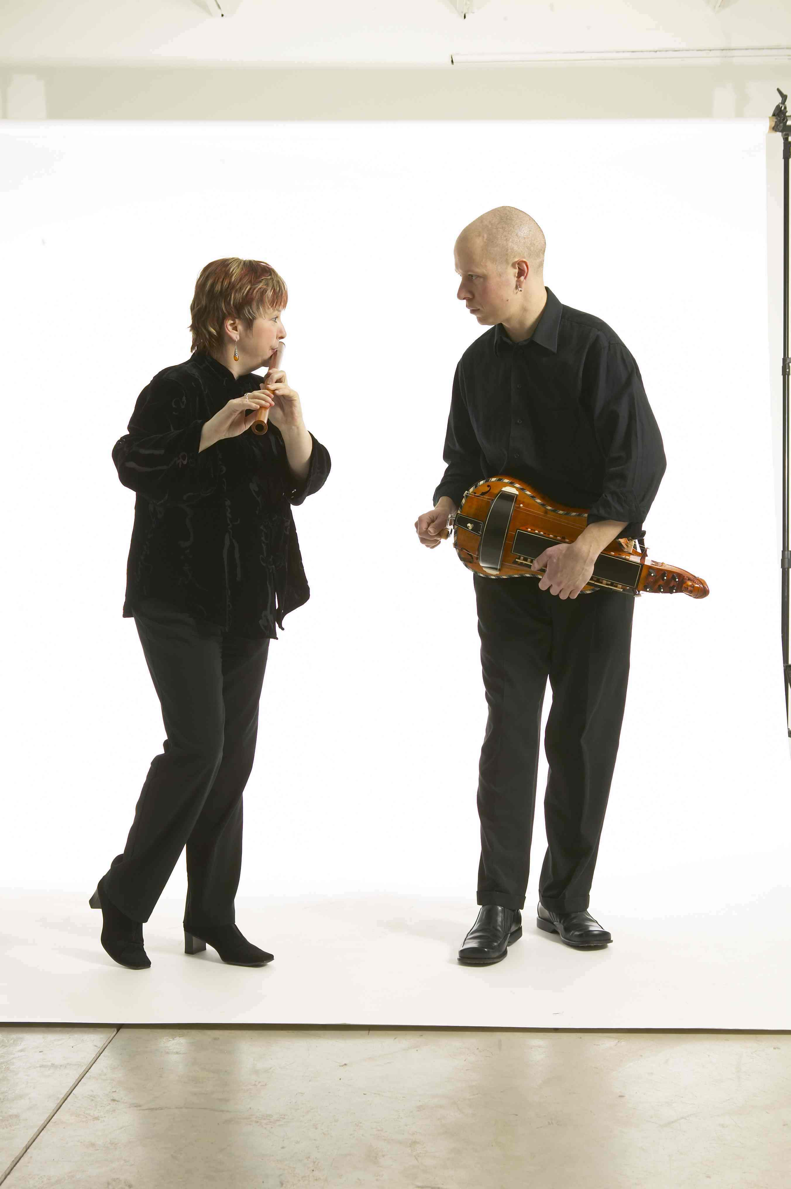1f08a2f5696206 Photo by Paul Orenstein. Hurdy gurdy